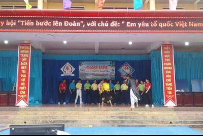 Trường THCS Nguyễn Khuyến và THCS Chu Văn An tổ chức giao lưu các CLB học tập Toán và tiếng Anh.